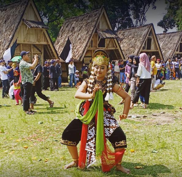 Kampung Budaya Sindang Barang cantik