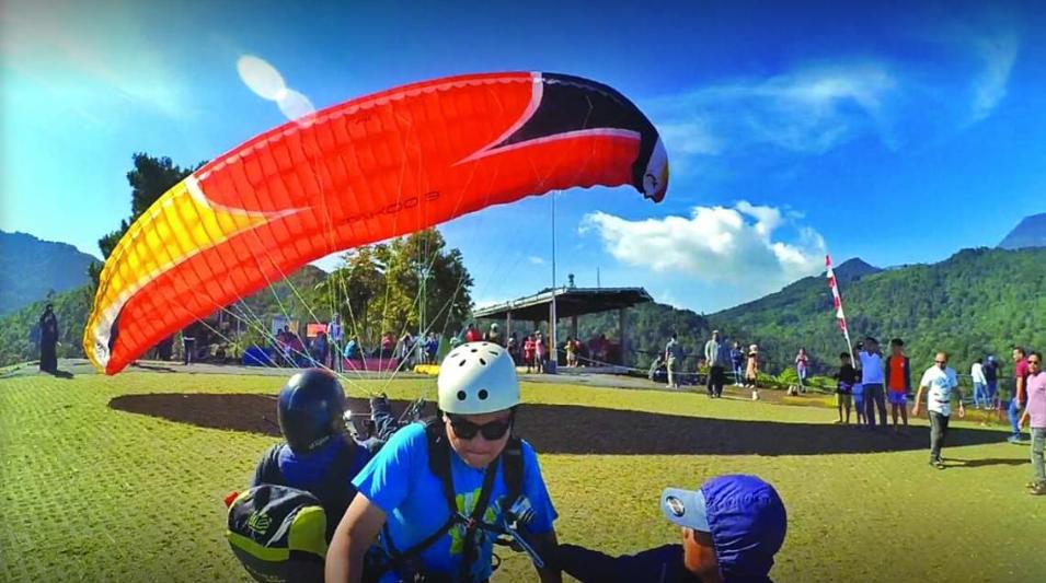 Bukit Paralayang Puncak cover