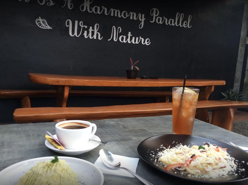 Cafe Yang Bagus Di Bogor cover