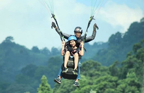 fly paragliding indonesia