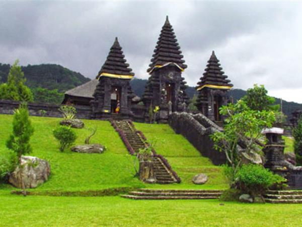 Kuil Parahyangan
